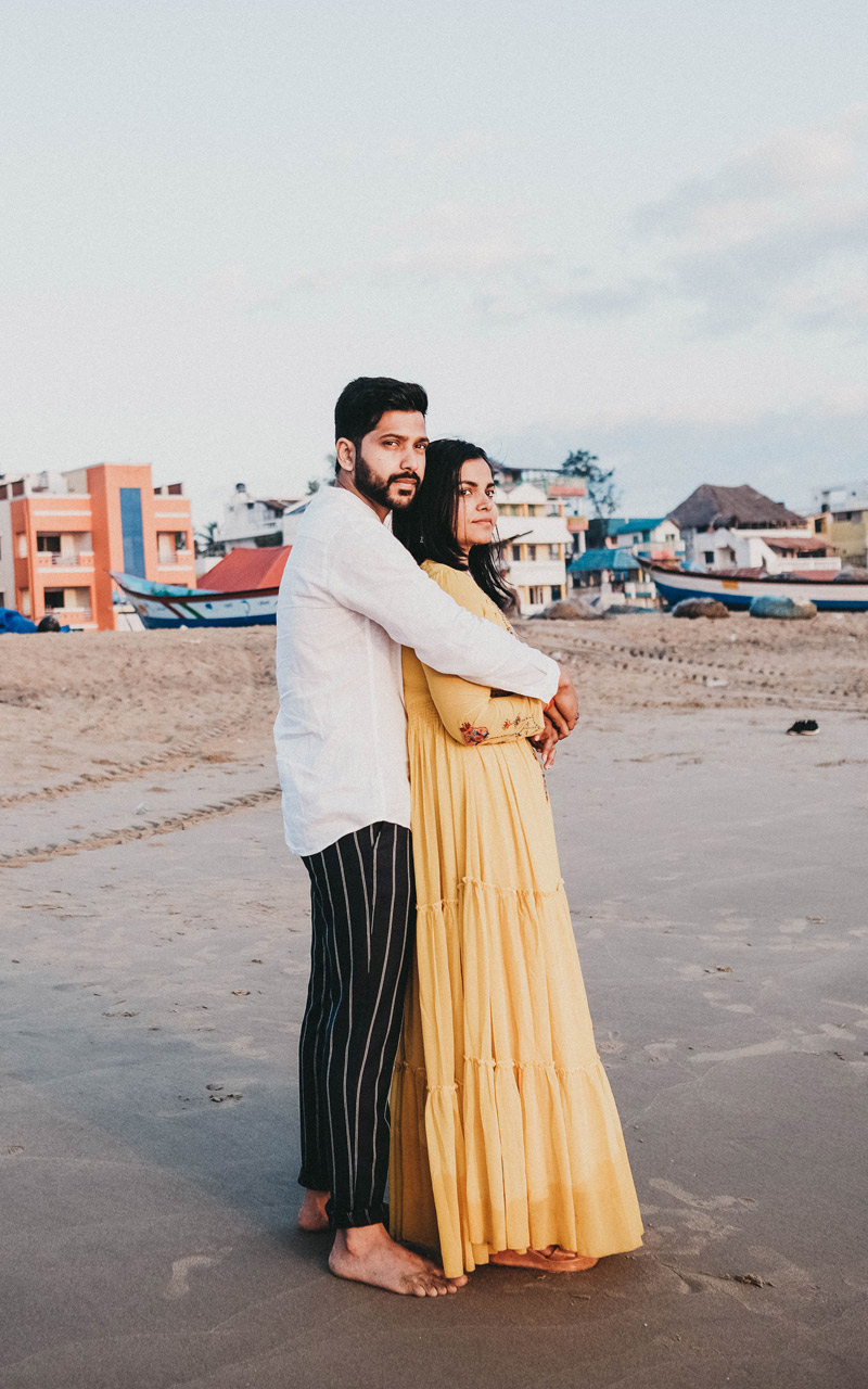 india-chennai-wedding-couple-beach2